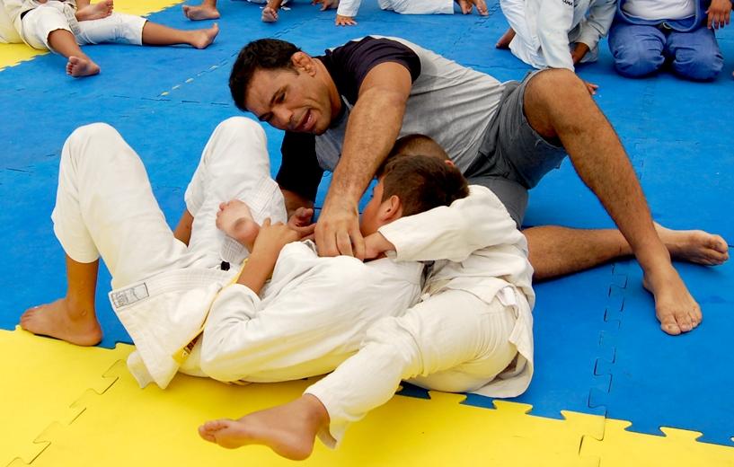 Rodrigo Minotauro e a arte de difundir o Jiu-Jitsu. Foto: Divulgação