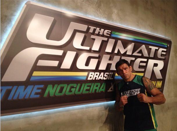 """Vídeo: Astro do """"TUF Brasil 2"""", Minotauro ensina posição com kimono útil para o seu Jiu-Jitsu"""