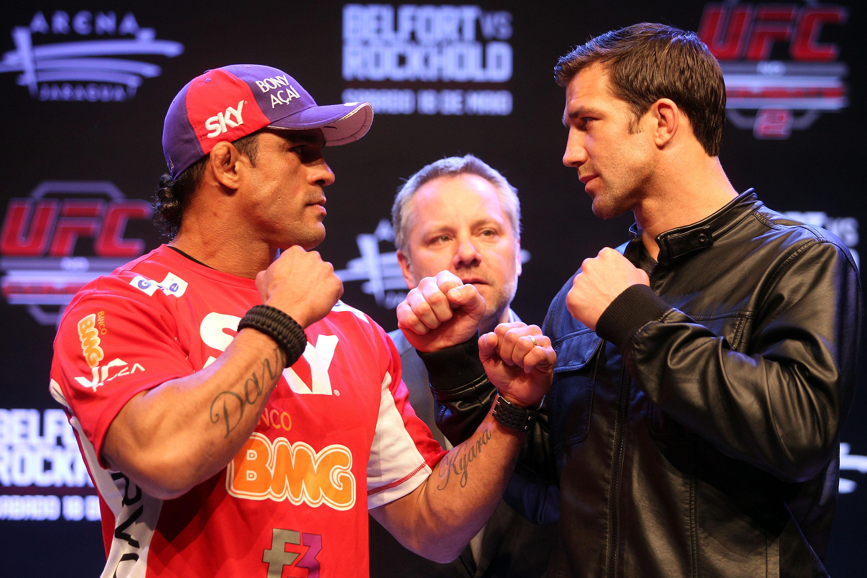 Belfort encara Rockhold durante coletiva em jaraguá do Sul. Foto: Divulgação/UFC