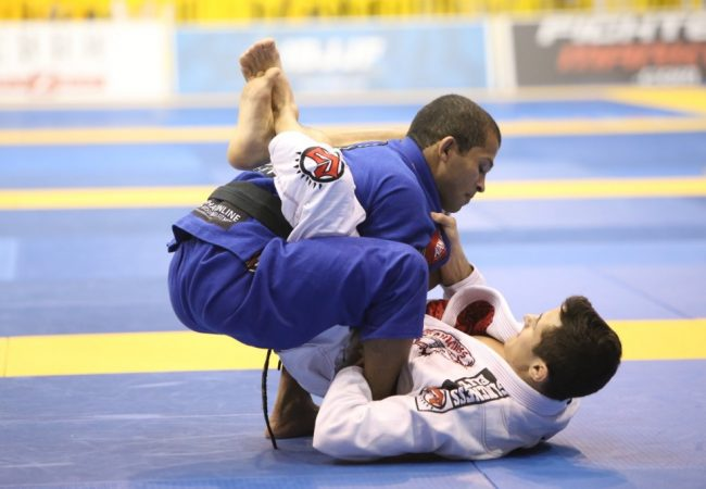 Aprenda com a guerra entre Caio Terra e Malfacine no Mundial de Jiu-Jitsu 2008