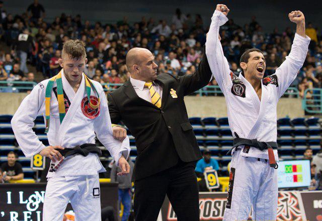 O triângulo de ouro de Daniel Beleza no Mundial Master de Jiu-Jitsu 2014