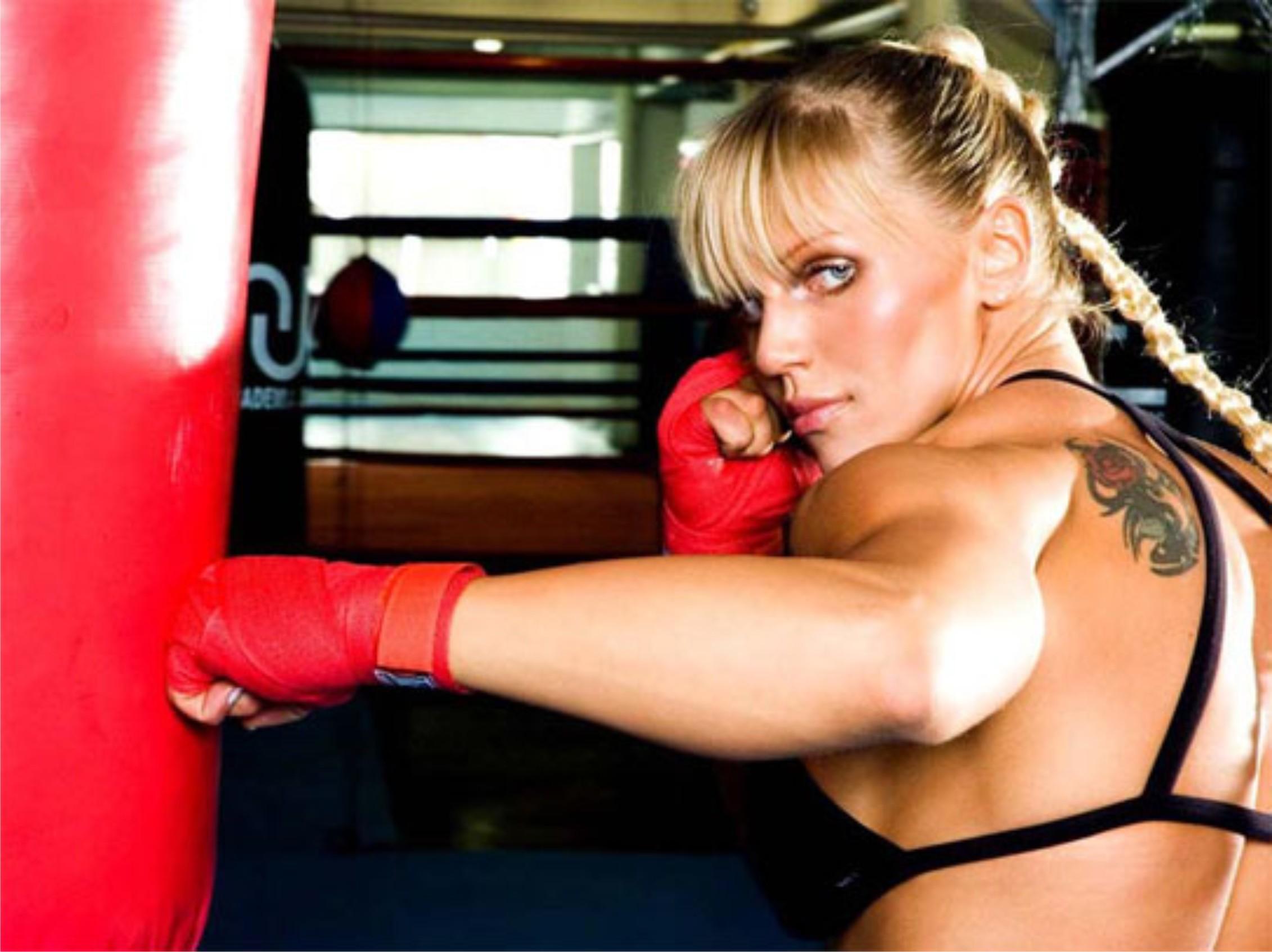 A lutadora de MMA duda_yankovich