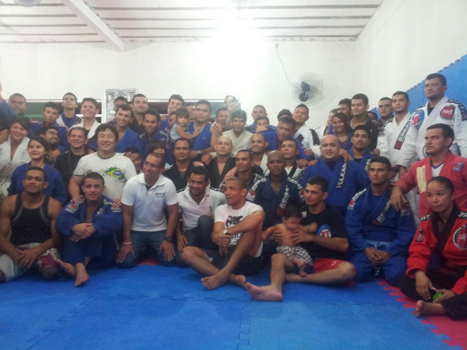 Campeão José Aldo depois do aulão de Jiu-Jitsu em Manaus. Foto: Divulgação