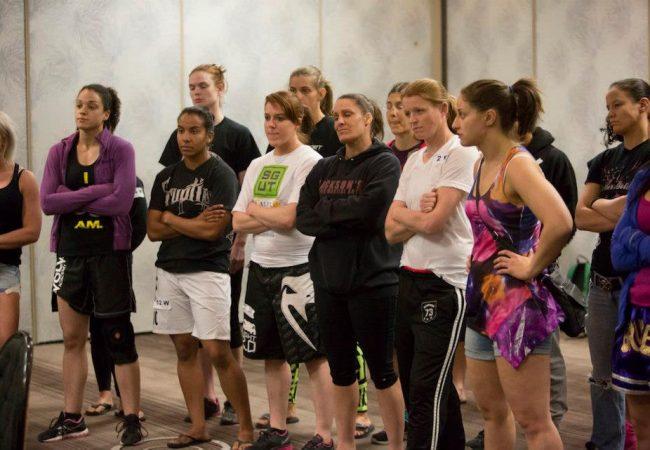 Veja esta aula de Jiu-Jitsu e defesa pessoal para mulheres e se inspire