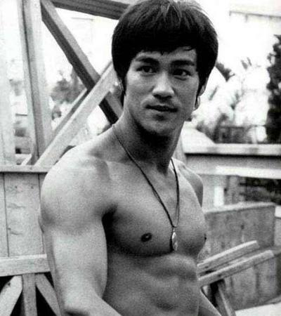 Afie o seu katagatame, como já ensinava Bruce Lee nos cinemas