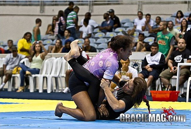 """VIDEO: Watch """"bear hug"""" by Michelle Tavares over Nicolini in ADCC Trial"""