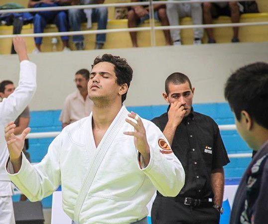 Esdras Barbosa: campeão absoluto azul no Brasileiro vem da CheckMat Paraíba