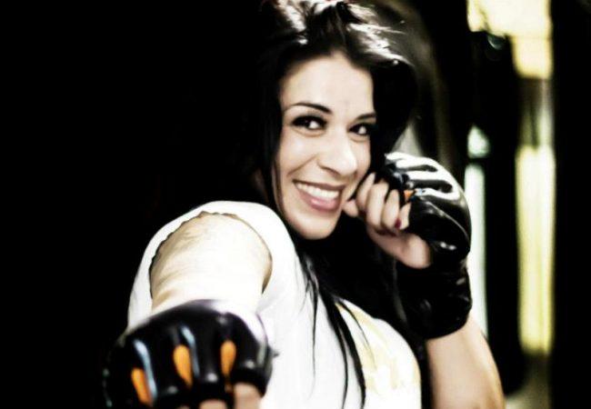 Ana Maria Índia preparada para o Web Fight 2 com um arsenal no Jiu-Jitsu