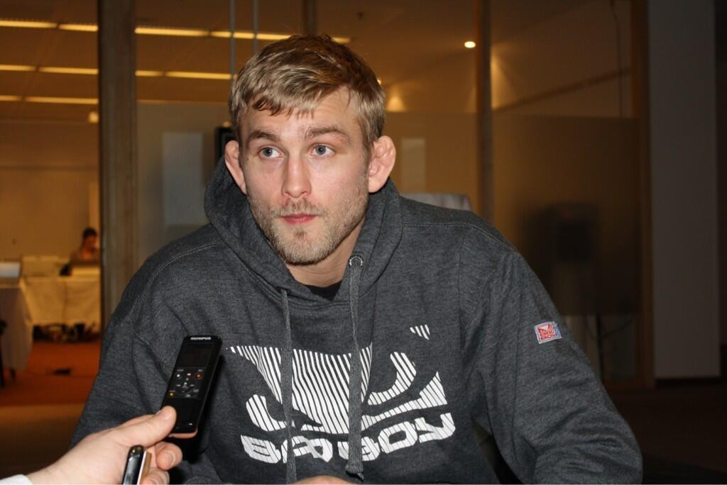 Gustafsson em foto tirada nesta quarta-feira, dia 3 de abril. Foto: Reprodução/Twitter