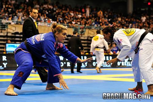 Gabi Garcia comemora ouro duplo no Pan 2013 e menciona provocações de rival