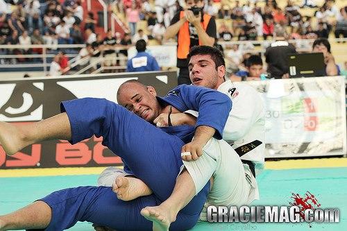Inspire-se para os treinos de hoje com o Jiu-Jitsu agressivo de João Gabriel Rocha