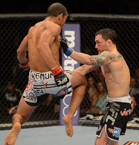 Em sua última luta, Aldo defendeu seu cinturão contra Frank Edgar. Foto: UFC/Divulgação