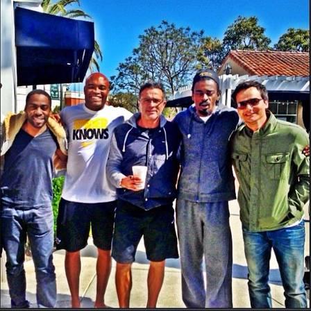 Lázaro, Anderson, Joinha, Seu Jorge e Wagner antes do treininho. Foto: Reprodução/Instagram