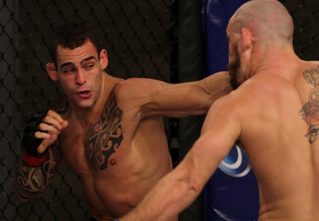 Santiago Pozinibbio vence Márcio Pedra e amplia para o time verde. Foto: UFC/Divulgação