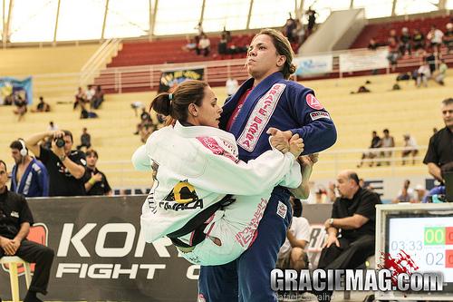 Brasileiro de Jiu-Jitsu: a batalha entre Luzia Fernandes e Michelle Nicolini