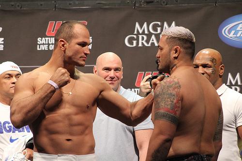 Confira a galeria de fotos da pesagem do UFC 160, com Mike Tyson