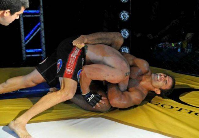 Após aprender com Demian Maia, Soluço busca mais uma finalização no MMA