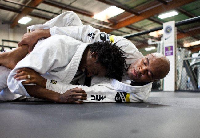 Vídeo: Os treinos e avanços na recuperação de Anderson Silva