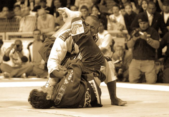 Get ready for Ronaldo Jacare's UFC fight by watching his 2004 open weight final against Roger Gracie