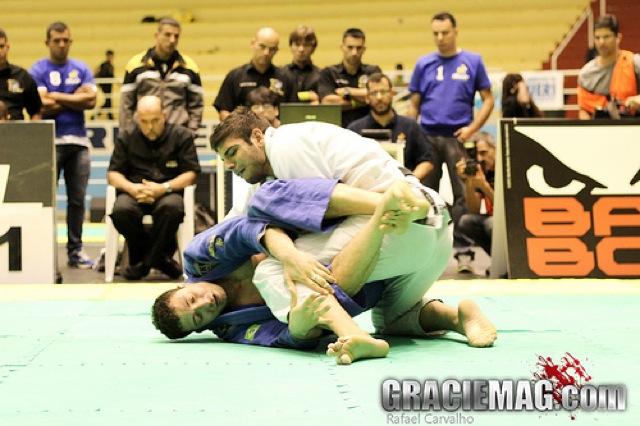 Favorito no absoluto do Rio Open dá 5 dicas para passar a guarda no Jiu-Jitsu