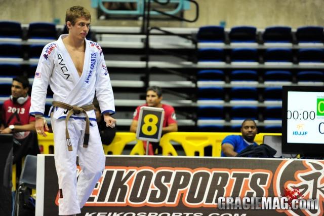 O treino de Jiu-Jitsu do arisco Keenan com o experiente André Galvão