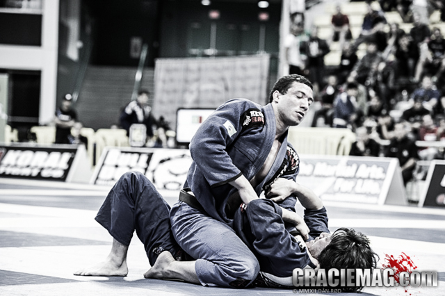 Current open-class runner-up Léo Nogueira not fighting in Long Beach