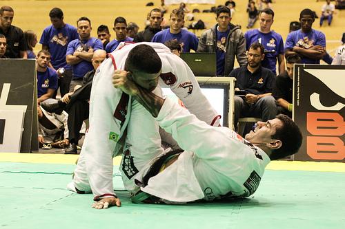 Ricardo Evangelista em luta contra Rodrigo Cavaca. Foto: Rafael Carvalho/ GRACIEMAG