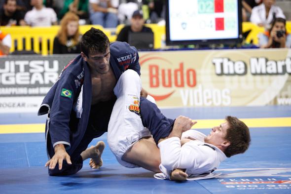 Rubens Cobrinha contra Rafael Mendes durante campeonato de Jiu Jitsu