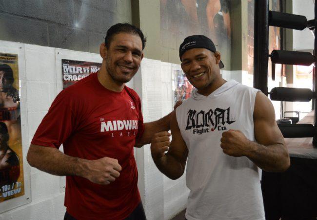 Após finalização no UFC, Jacaré visita irmãos Nogueira