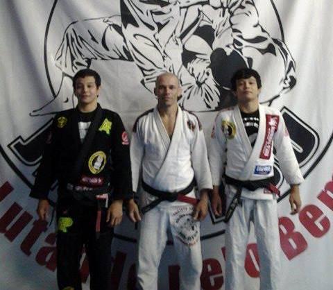 Irmãos Miyao recebem a faixa-preta de Jiu-Jitsu