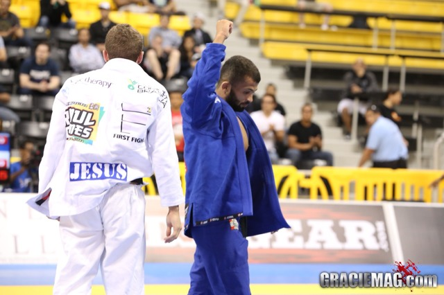Worlds roosterweight: Caio Terra grabs spot in final vs. Malfacine