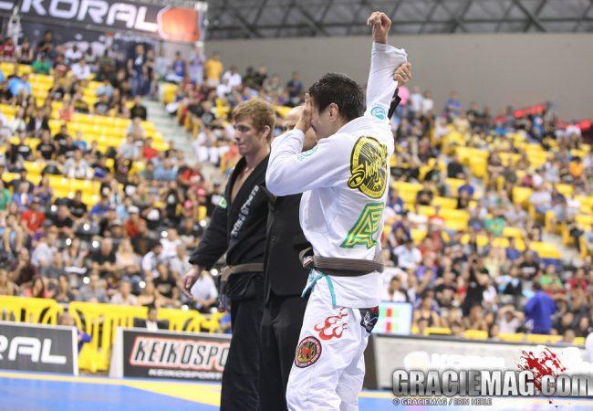 O absoluto marrom e a vitória de Paulo Miyao em fotos