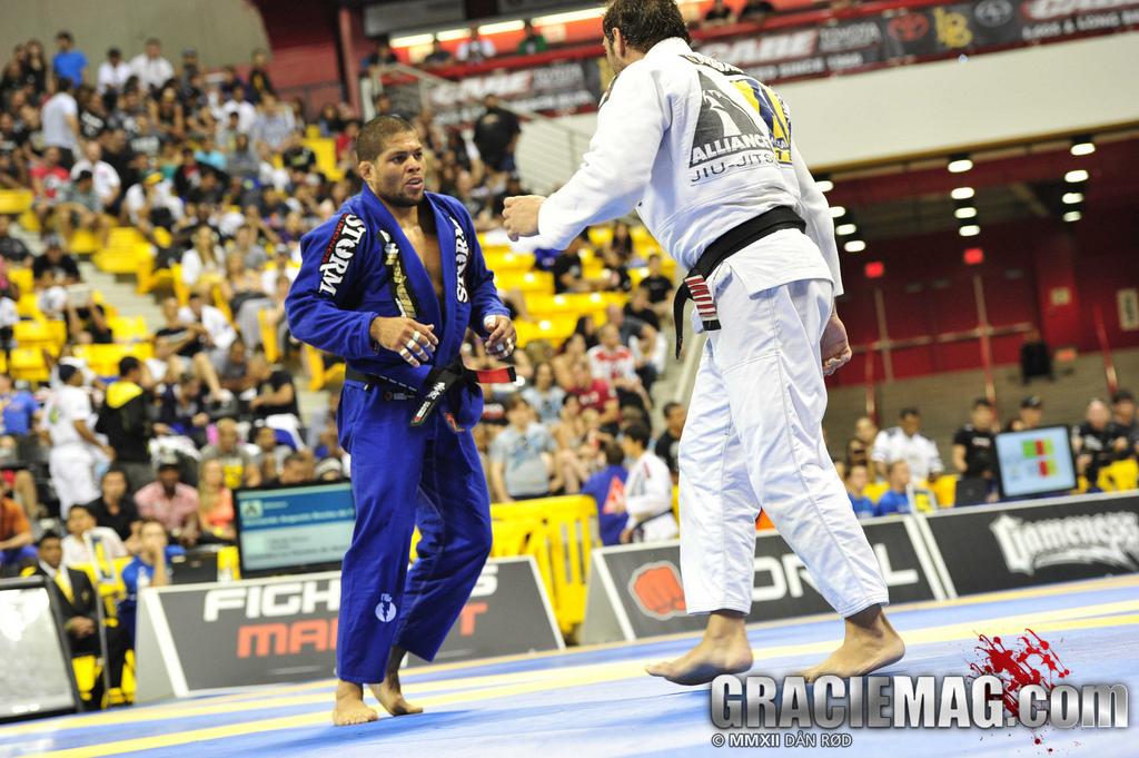 André Galvão vs Léo Leito nas quartas do absoluto. Foto: Dan Rod/GRACIEMAG