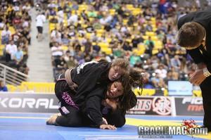 O adversário emborcou no Jiu-Jitsu? Surpreenda e pegue as costas
