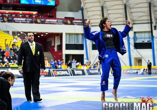 Ana Carolina Vieira e o olho no recorde que o mano Rodolfo não tem