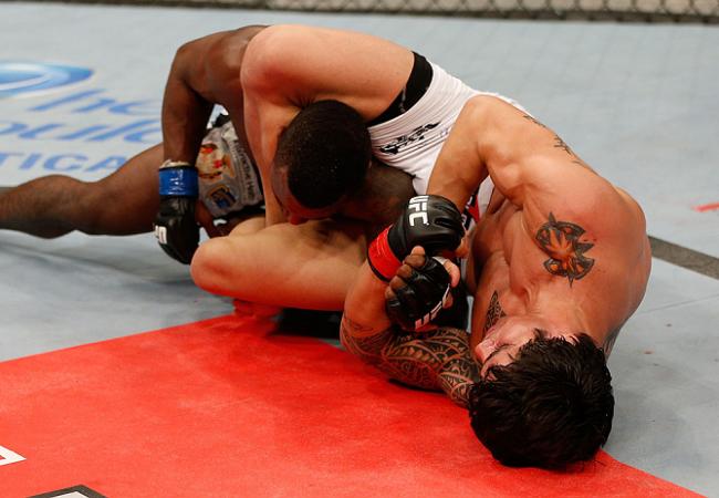 Jiu-Jitsu: O triângulo invertido de Erick Silva no UFC
