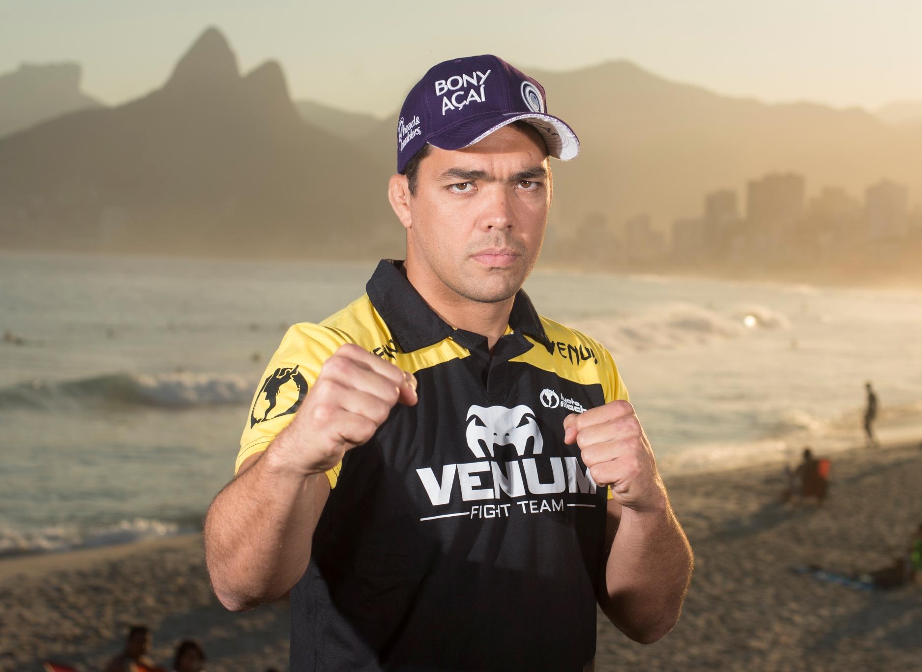 Lyoto enfrenta Phil Davis dia 3 de agosto, no Rio. Foto: UFC/Alexandre Loureiro