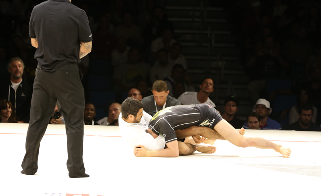 Metamoris: Kron saves the night with guillotine on Aoki