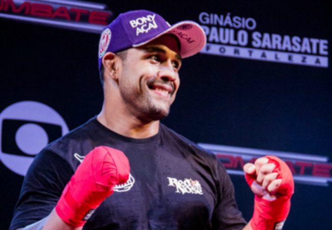 """Rafael Feijão mantém foco em luta e dispara: """"Enquanto ele vai falando, vou batendo"""""""