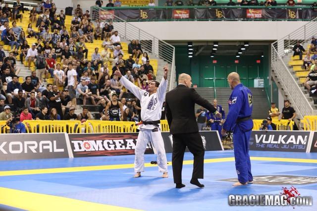 Mundial pesado: Lucas Leite elimina Xande e encara Rodolfo na final