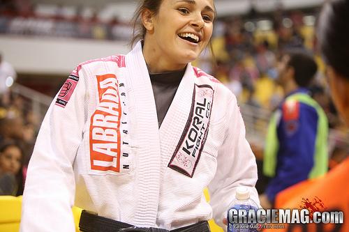 Vídeo: Michelle Nicolini brilha com um armlock no Madri Open de Jiu-Jitsu