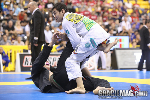 Watch how Paulo Miyao won the São Paulo Open absolute division