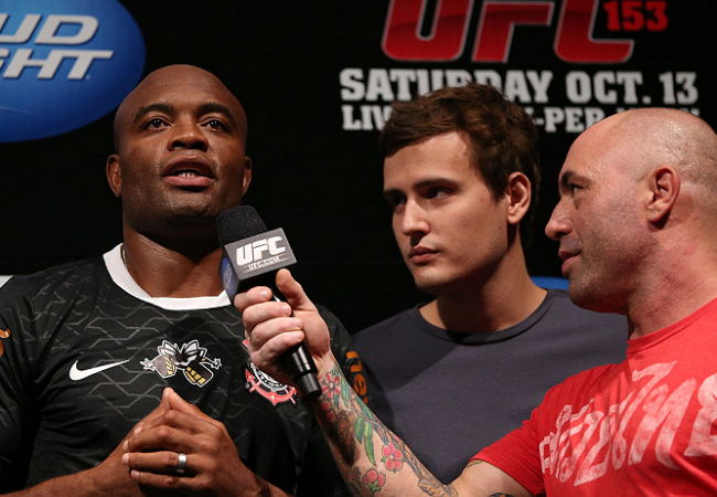 Vídeo: comentarista do UFC analisa o campeão Anderson Silva