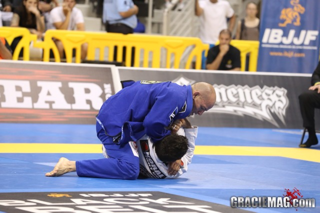 Estude Jiu-Jitsu com o estilo clássico de Xande Ribeiro