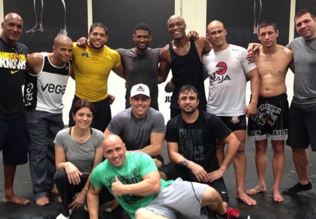 Anderson Silva recebe visita especial em dia de treino em Los Angeles