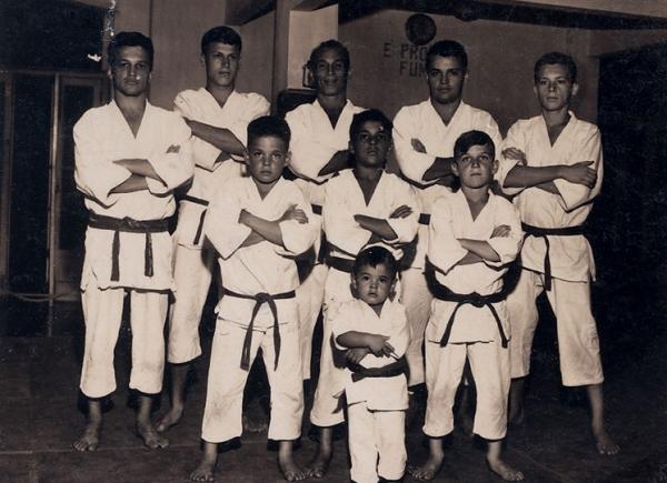 Confira este documentário histórico no Canal Combate. Foto: Divulgação