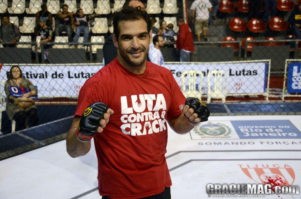 Léo Leite está treinando boxe todo dia para seu próximo compromisso no MMA, em setembro. Foto: Carlos Arthur Jr