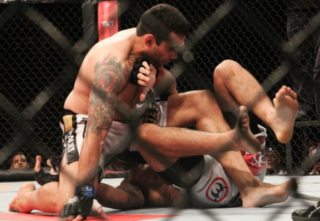 Werdum beats Minotauro; UFC sets new record number of submissions