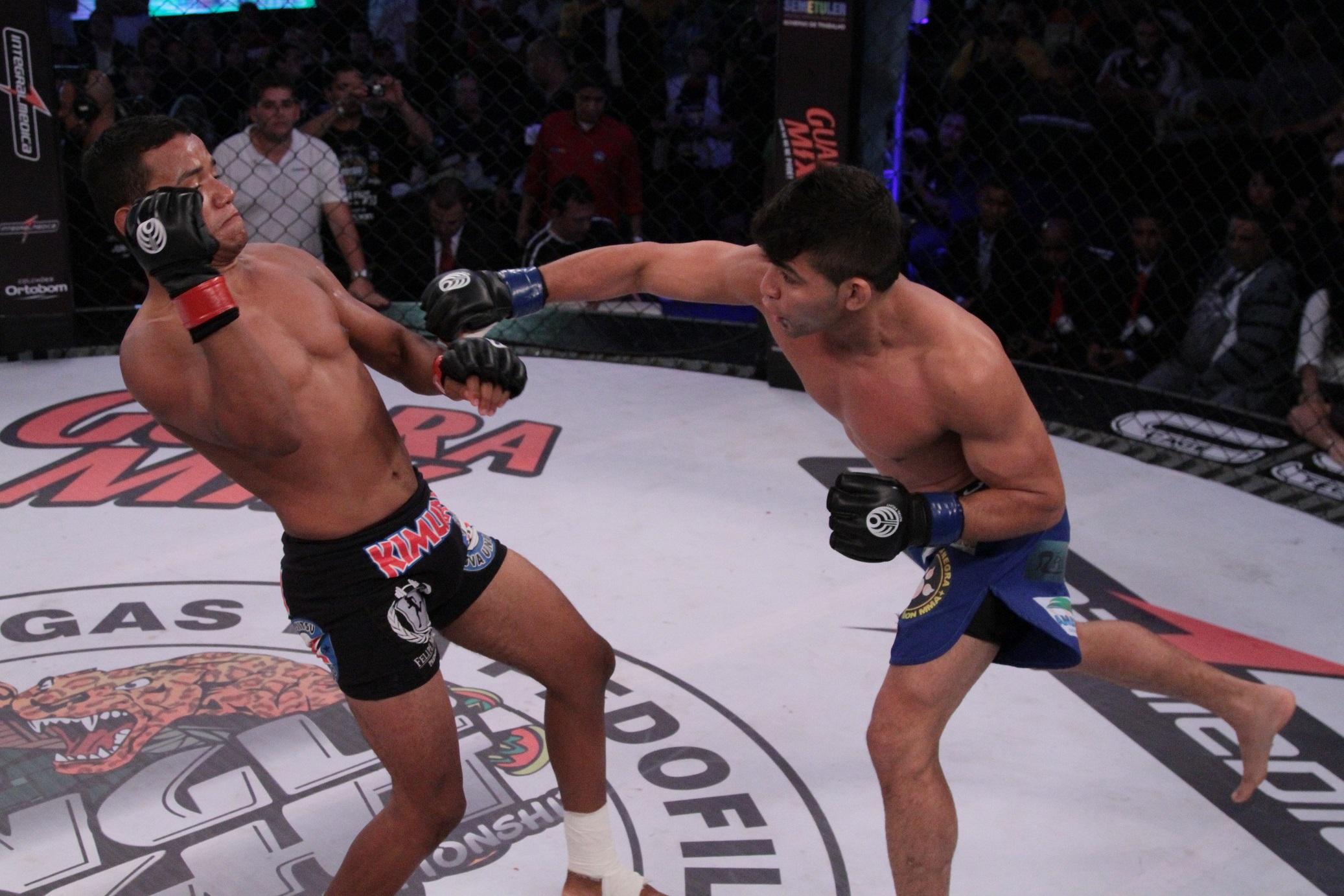 Rayner não da chances para Arinaldo e nocauteia no primeiro round. Foto: Fernando Azevedo/Divulgação