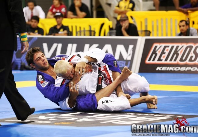 Vídeo: veja na íntegra a final do absoluto entre Buchecha e Rodolfo no Mundial 2013